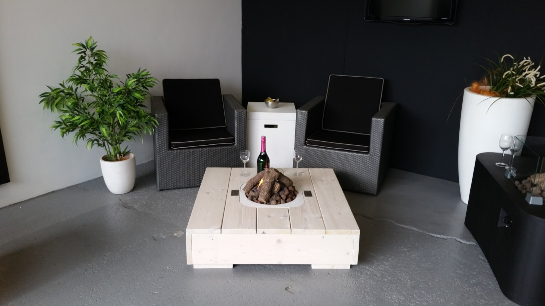 4 Loungetafel met Tafelhaard