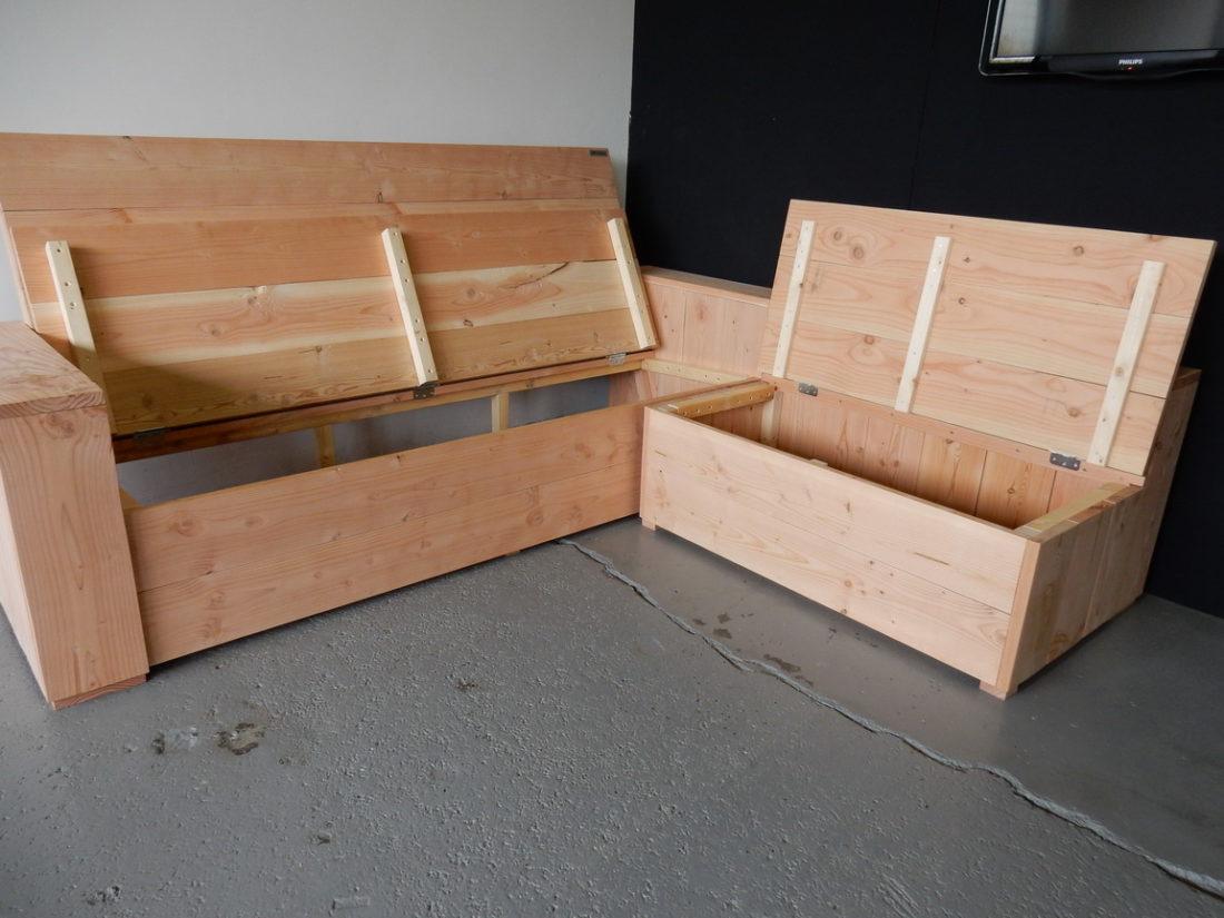 Steigerhouten bank met opbergruimte