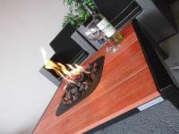 metaal met houten buitentafel