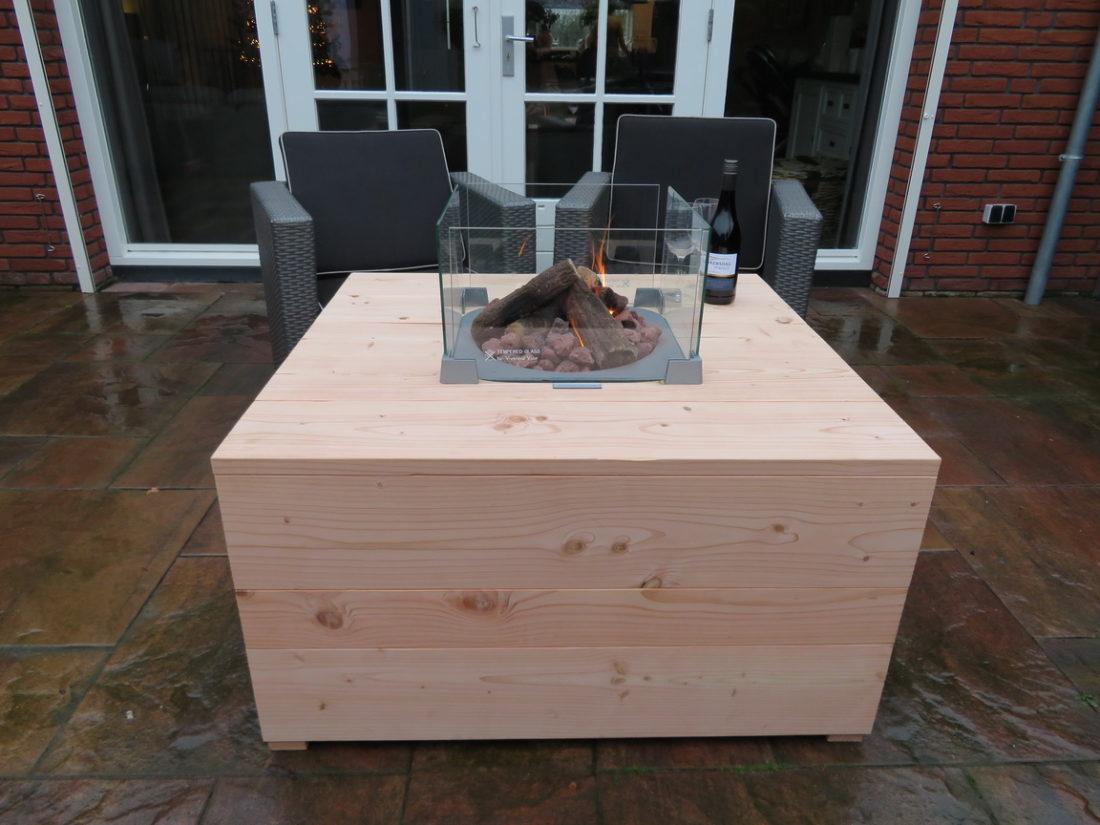 Hoge loungtafel met vuur